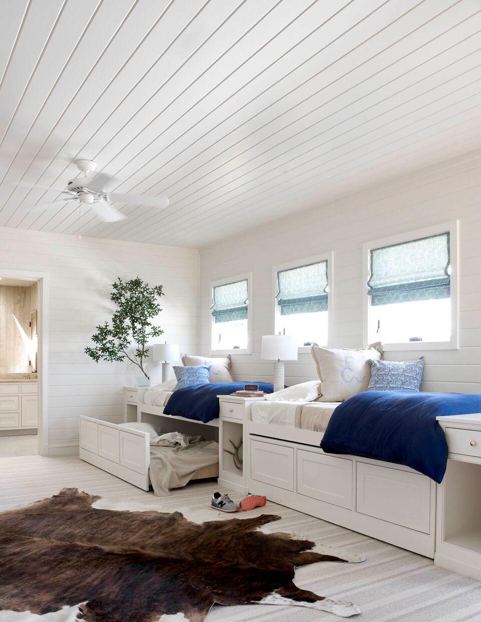 glen rose getaway collins interiors. Black Bedroom Furniture Sets. Home Design Ideas